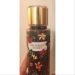"Victoria's Secret Other - 🌹Victoria's Secret ""Dark Flora"" fragrance set 🥀"